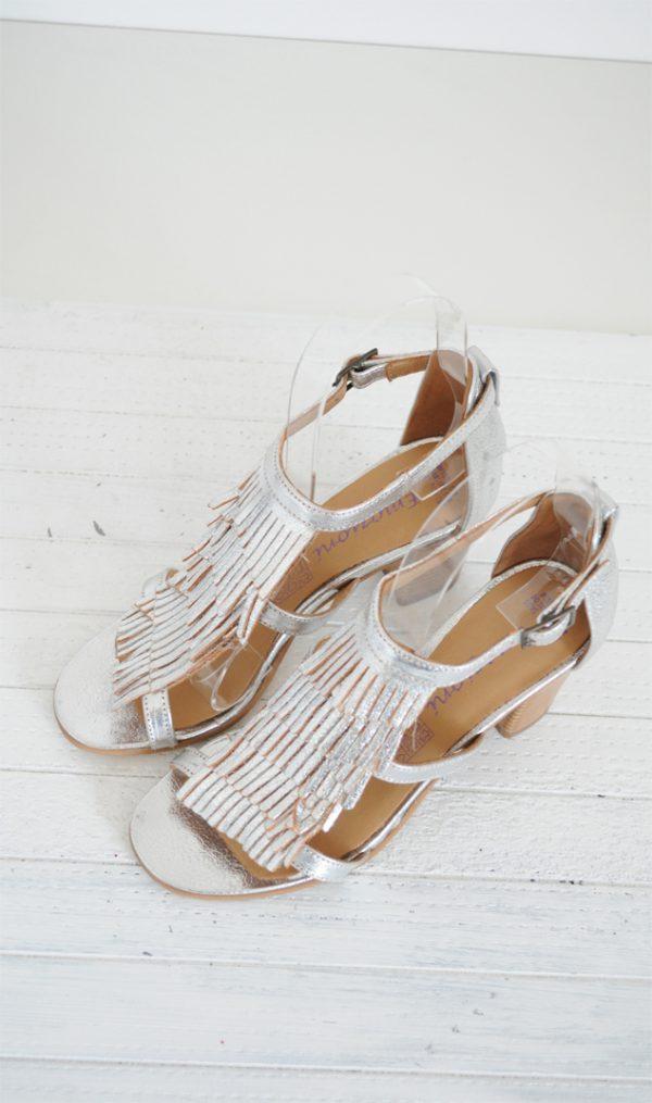 Sandale argintii cu franjuri piele naturala