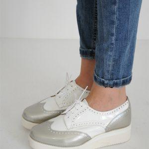 Pantofi argintii cu siret si talpa alba