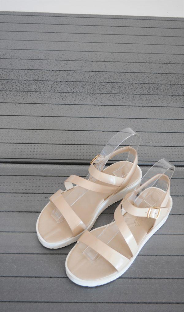 Sandale crem cu talpa alba