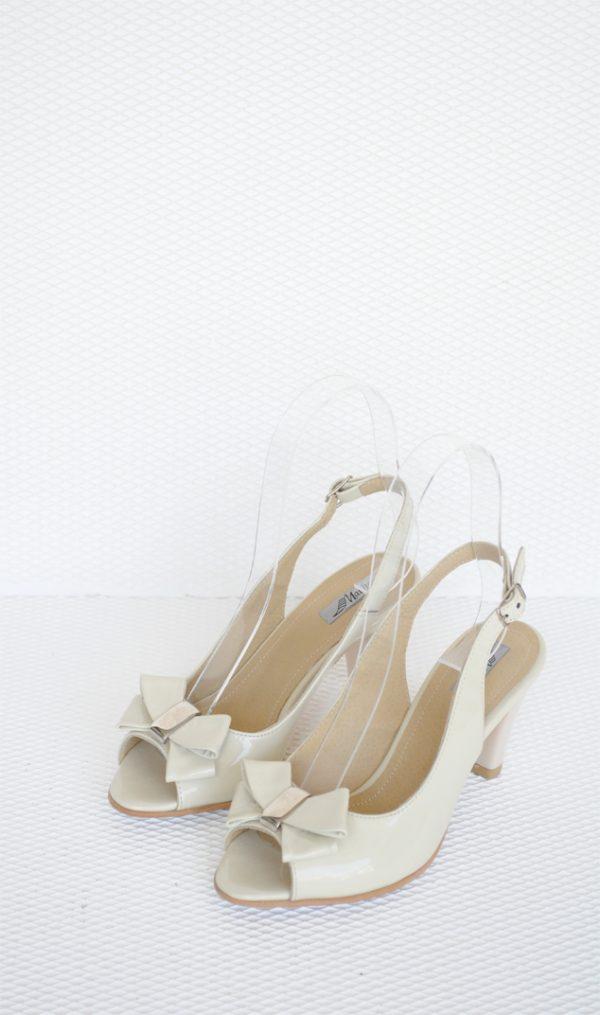 Sandale crem cu funda