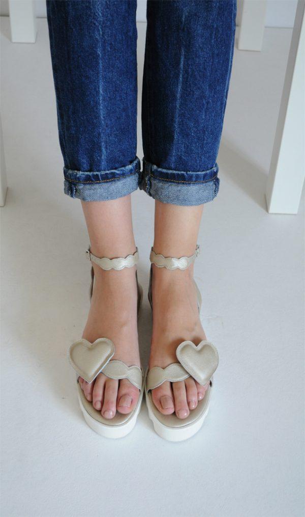 Sandale Ana aurii cu inimioara