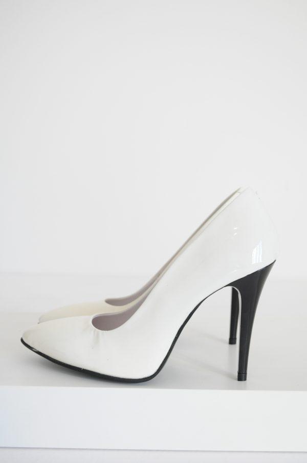 Pantofi Stiletto albi