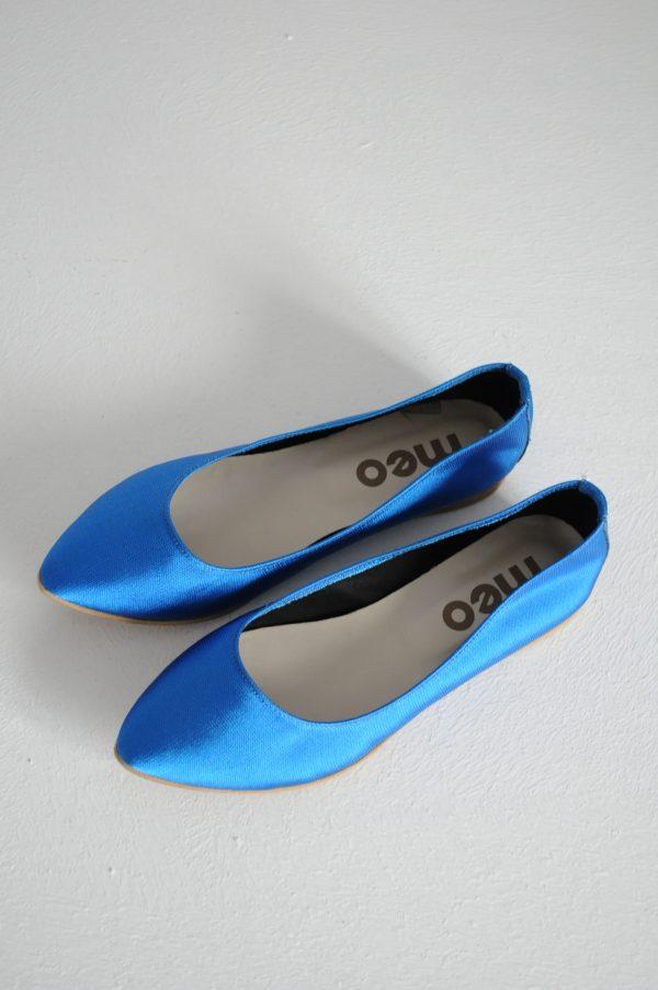 Balerini albastru neon