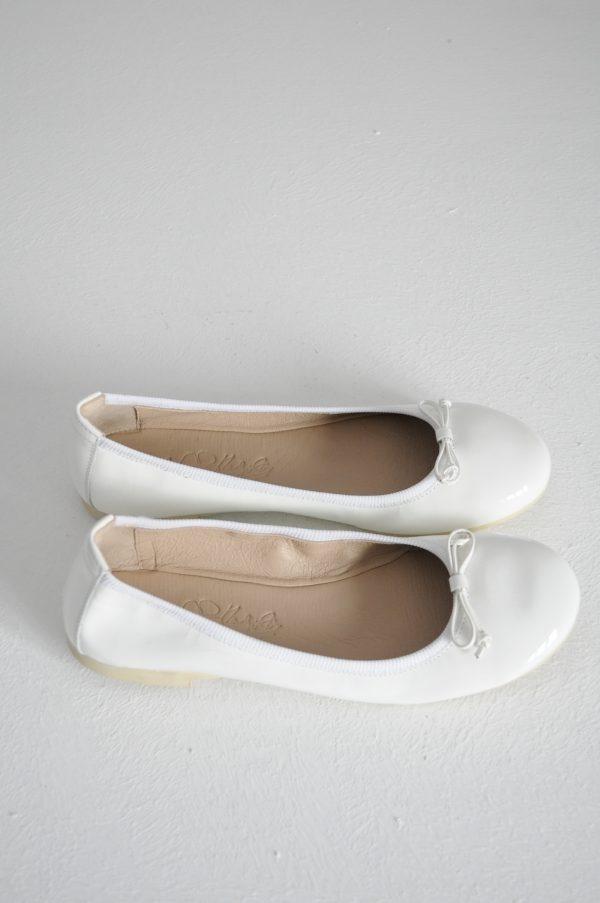 Balerini albi cu funda
