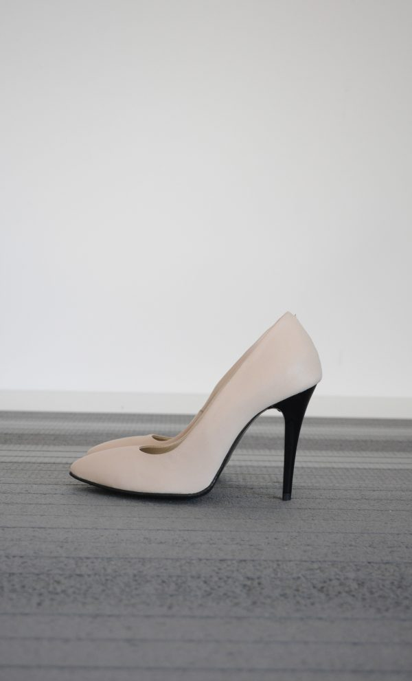 Pantofi stiletto crem