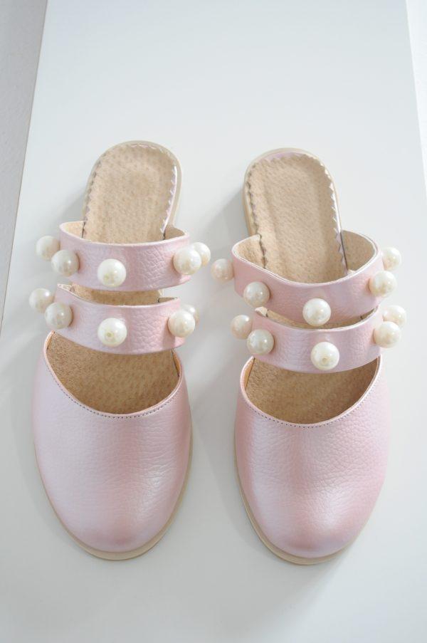 Papuci Lipa roz cu margele varf rotund