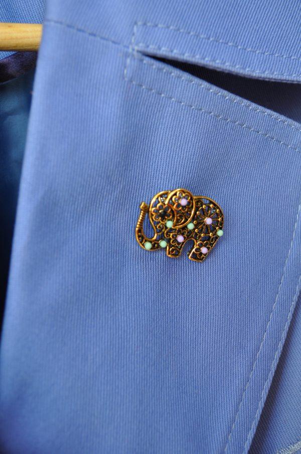 Brosa elefant auriu
