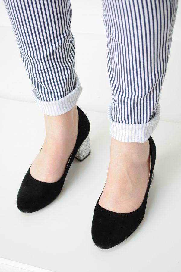 Pantofi negri cu toc si sclipici