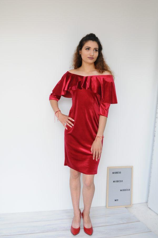 Rochie catifea cu maneci rosie