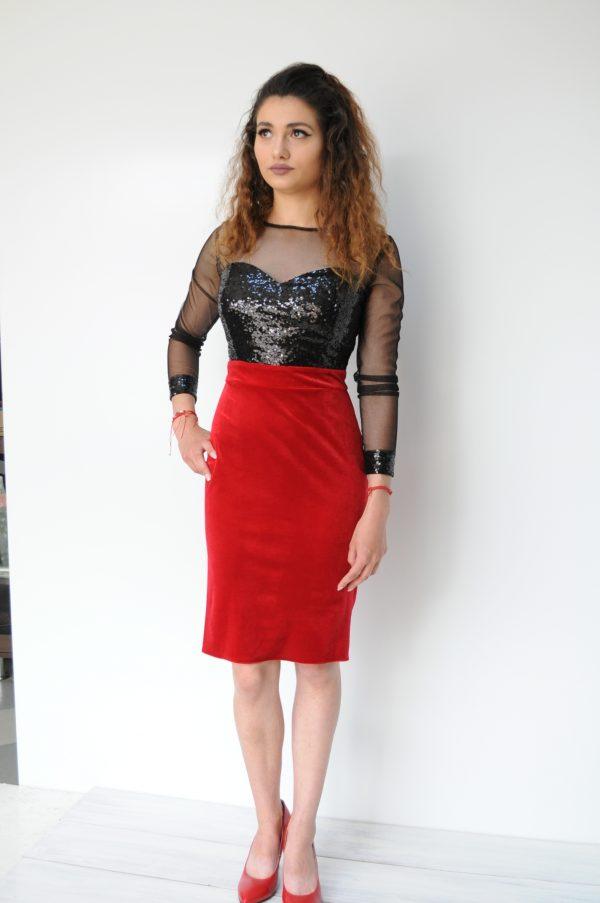 Rochie catifea rosie si paiete