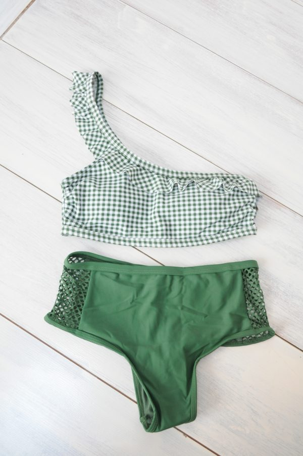Costum de baie verde cu patratele